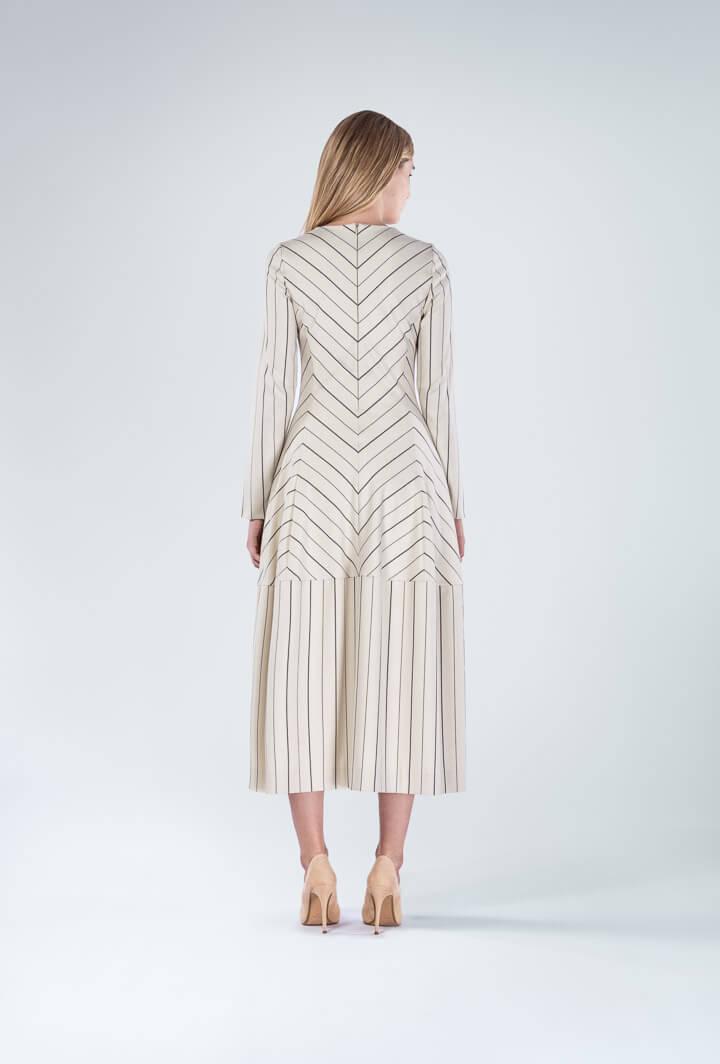 Платье бежевое в полоску