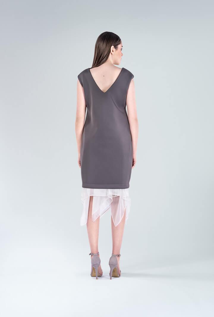 Платье чехол из неопрена серое