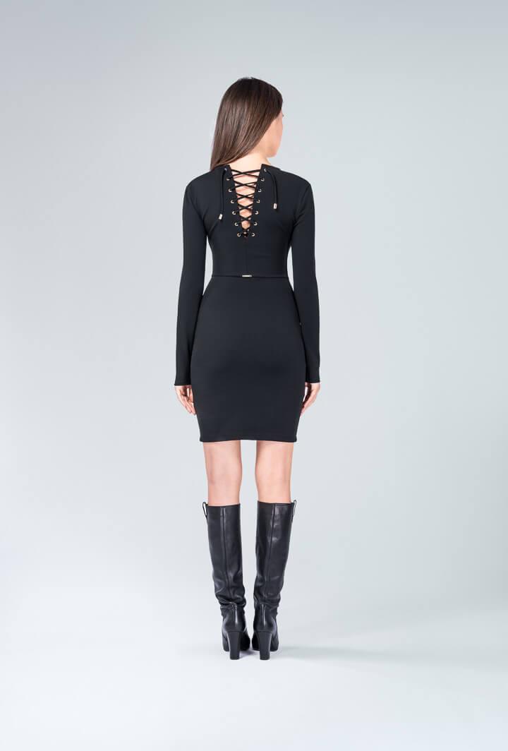 Платье черное со шнуровкой