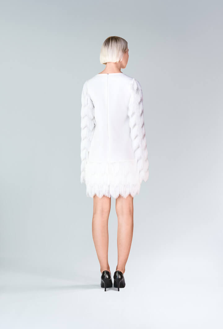Платье молочное с бахромой